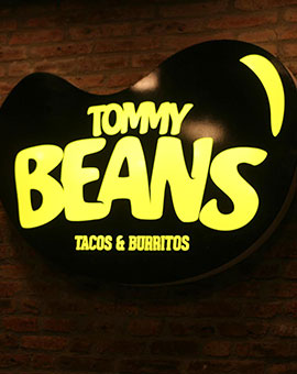 Letrero Tommy Beans